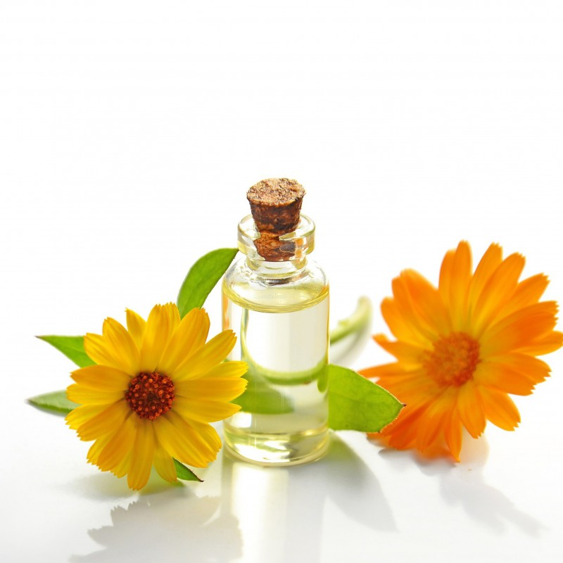 Essential oils from monastic crafts reflecting ancestral religious know-how